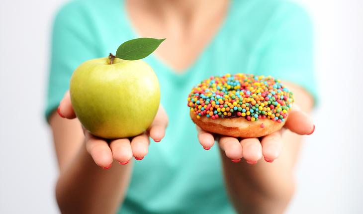 apple-and-doughnut