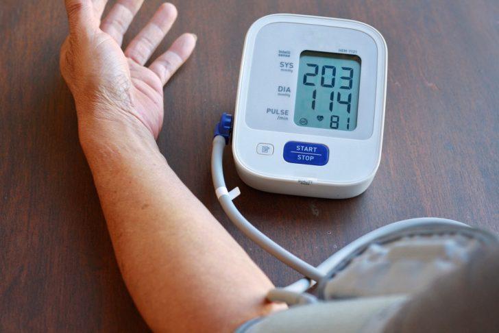 blood-pressure-cuff