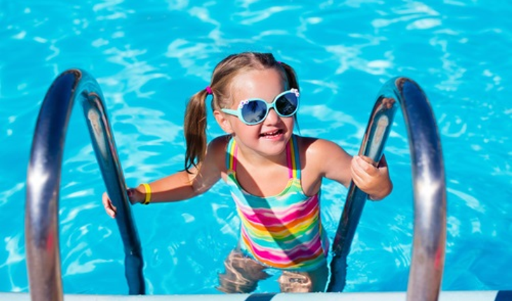 child-in-swimming-pool