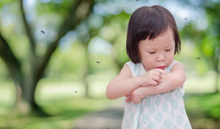 child-with-mosquito-bite