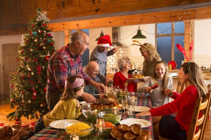 christmas-family-dinner