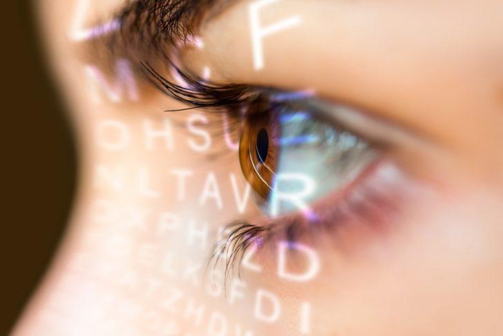 closeup-of-one-eye