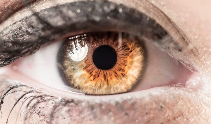 closeup-of-eye
