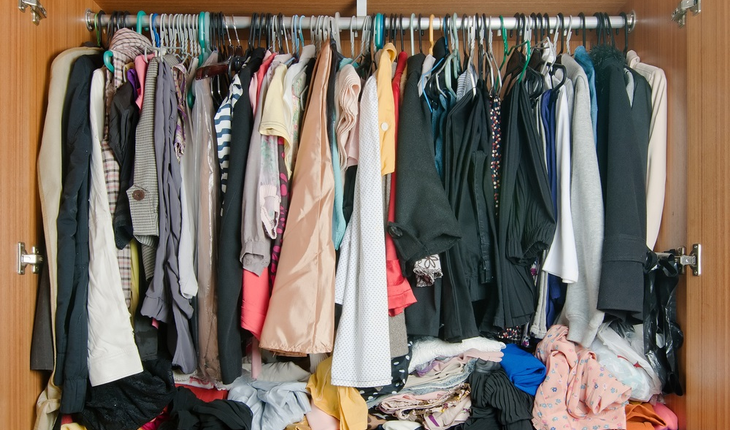crowded-closet