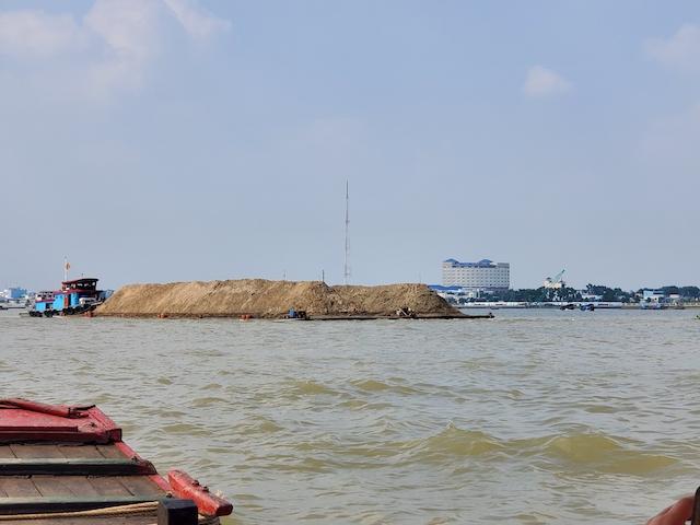 Delta sand barge