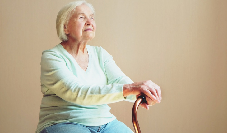 elderly-woman-with-cane