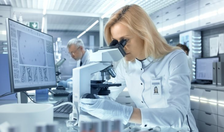 female-research-scientist