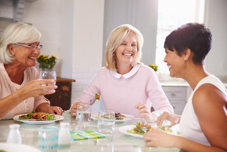 friends-enjoying-meal