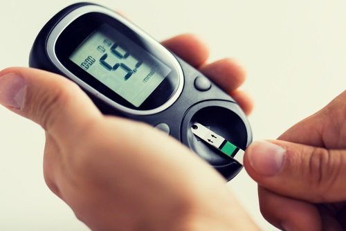 glucose-meter-and-test-strip