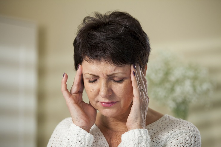 mature-woman-with-headache