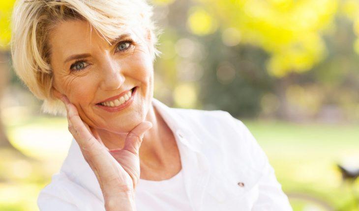 woman smiling good teeth dentist