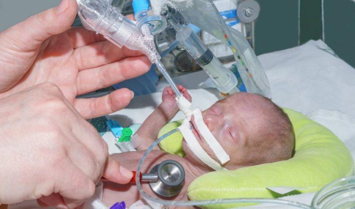 newborn-baby-in-intensive-care-unit