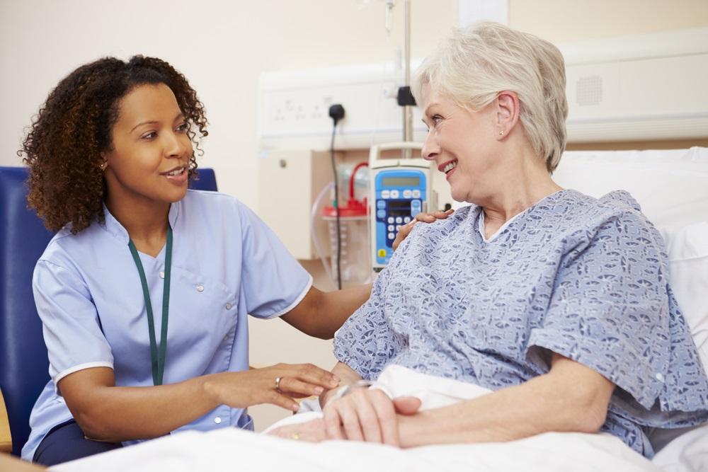 nurse-with-patient
