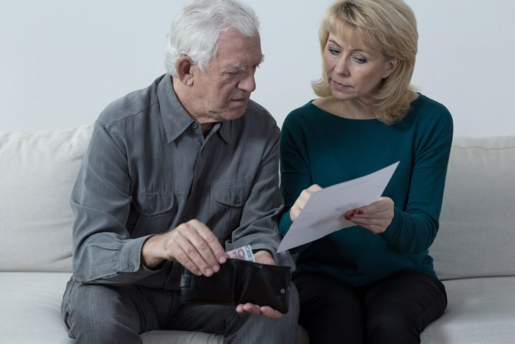 older-couple-and-money