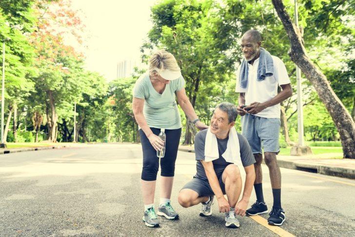 older-people-jogging