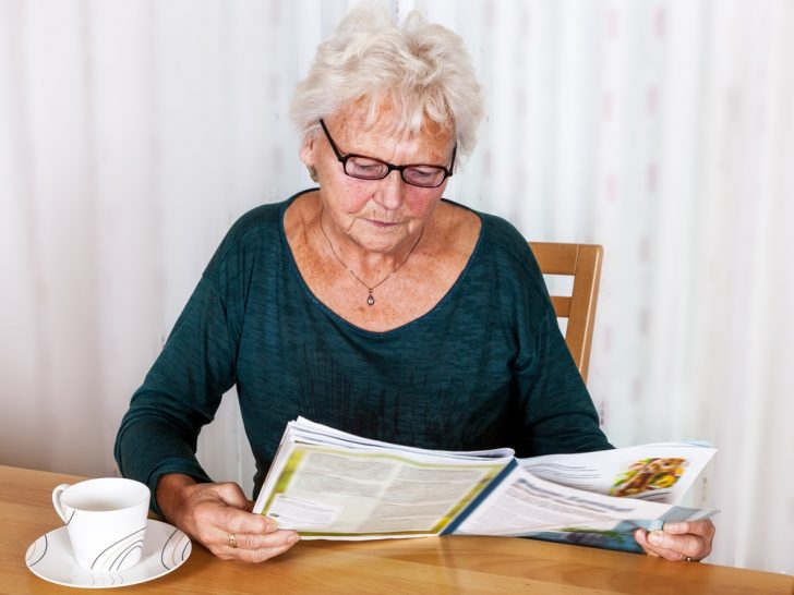 older-woman-reading-magazine