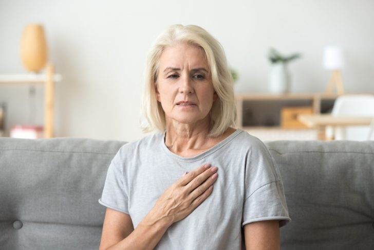 older-woman-with-chest-pain