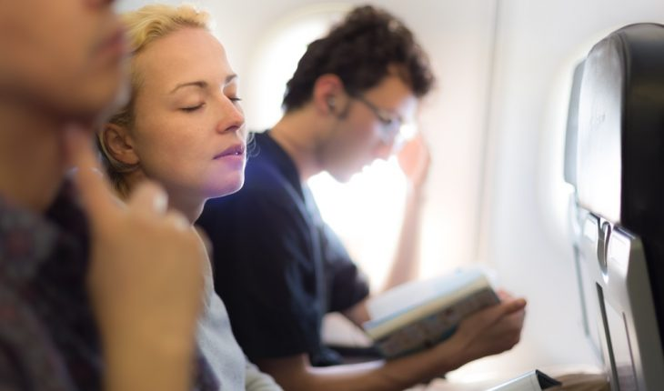 passengers-in-crowded-plane