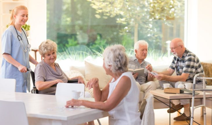 people-in-assisted-living-facility
