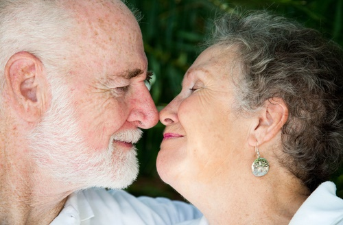Senior-couple-in-love