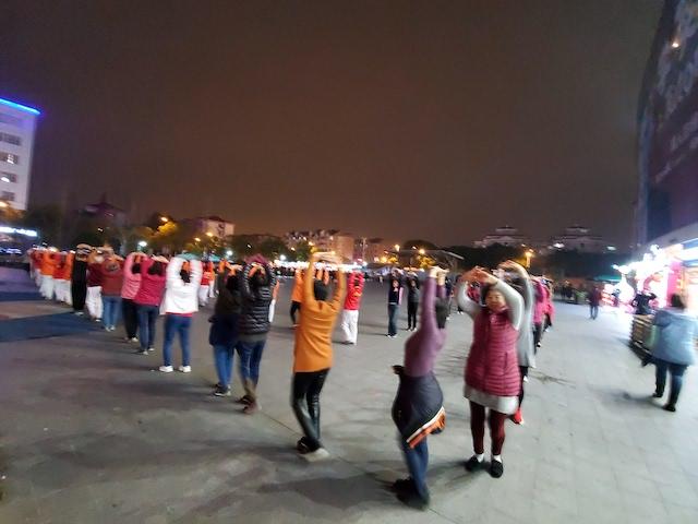 Shanghai dancers