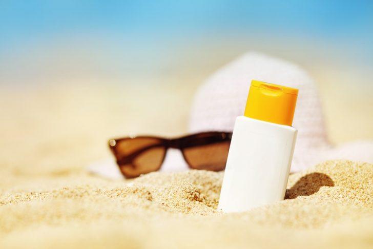 sunscreen-on-sand