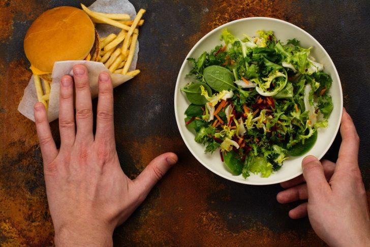unhealtlhy-vs-healthy-meal