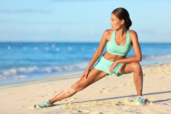 woman-doing-lunge-for-thighs