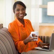 woman-on-sofa-with-laptop