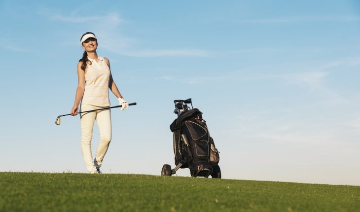 woman-playing-golf
