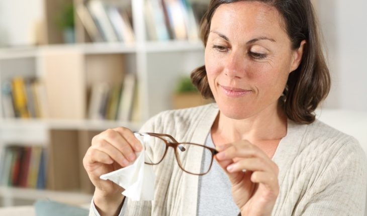 woman-with-eyeglasses