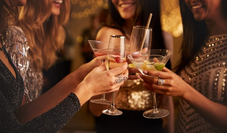women-with-alcohol