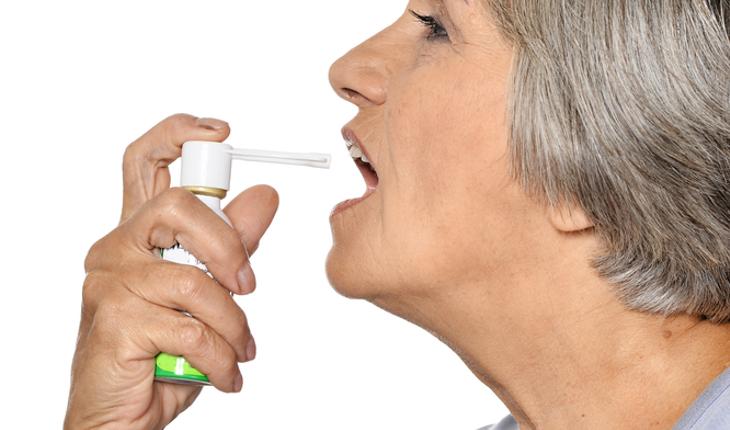 asthma, older oan with inhaler