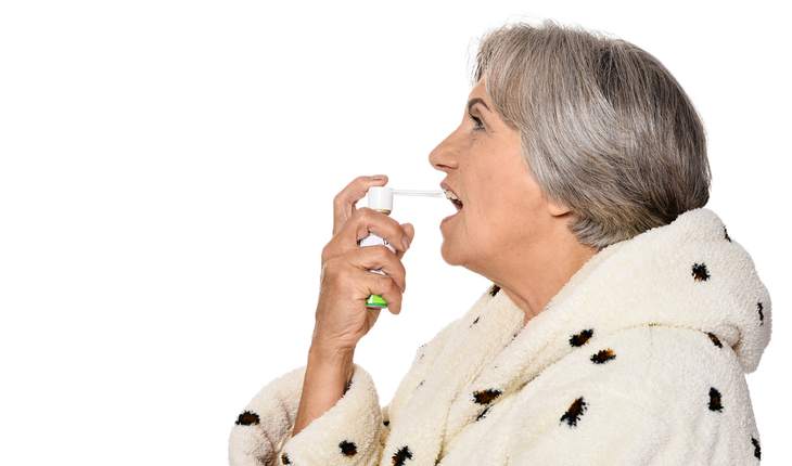asthma-older-woman