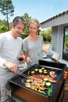 barbecue-couple.jpg