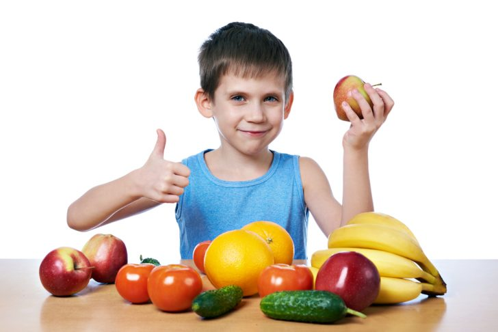 child-with-fruits-and-veetables