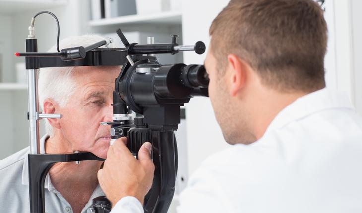 eye exam, man