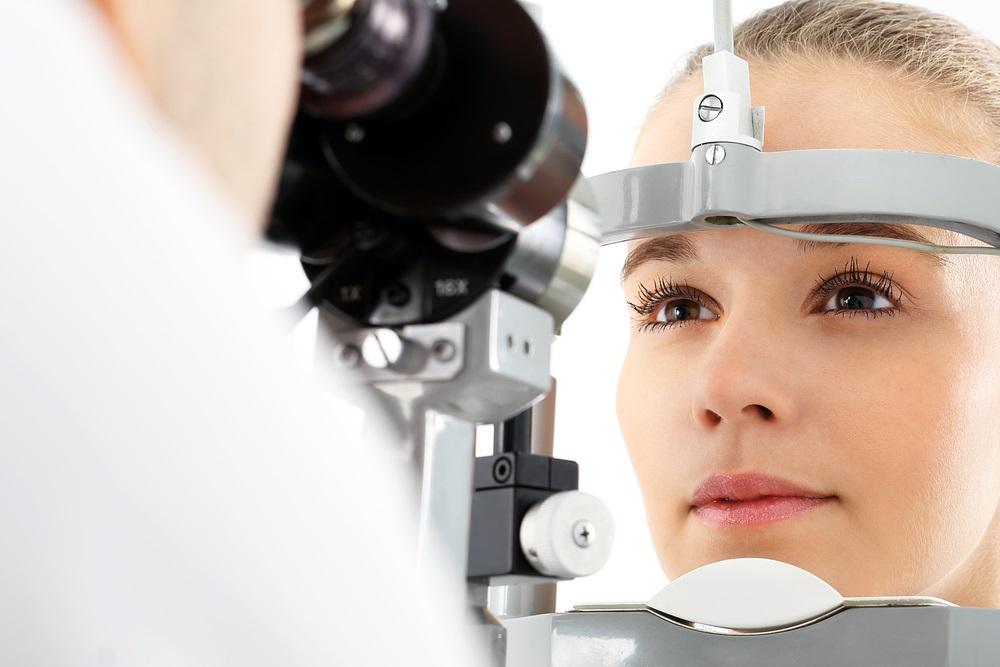 eye exam with doctor