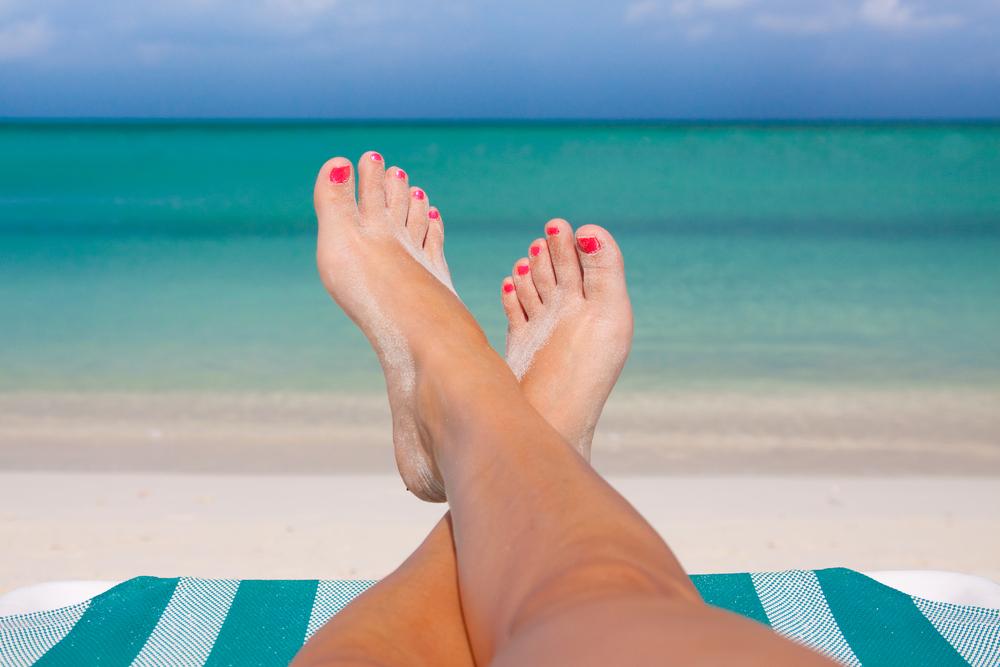 feet-on-a-beach