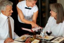 food-allergies-dining-in-restaurant.jpg