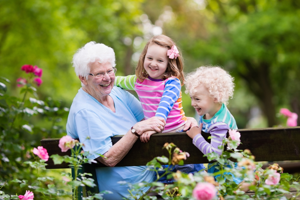 grandmother-and-grandchildre-ngardening