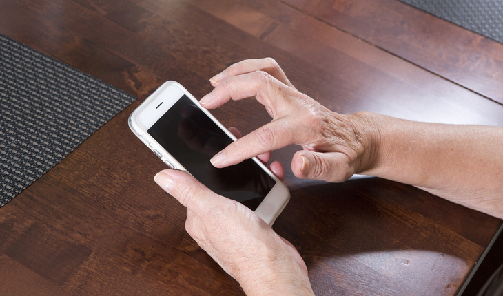 hands, texting, reading app