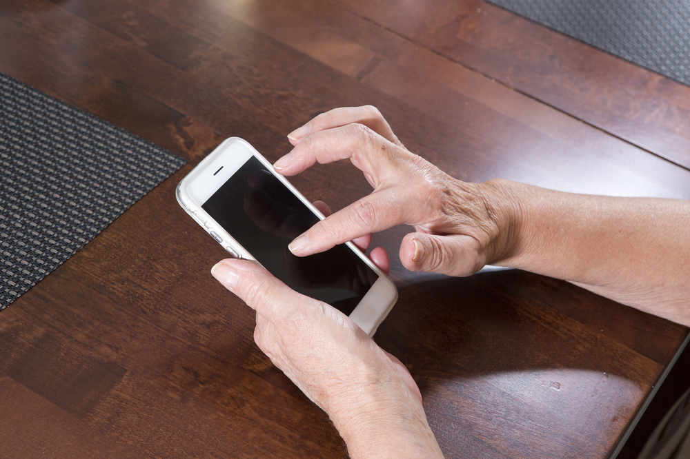 hands texting reading app