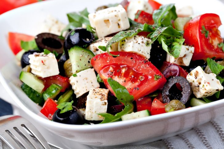 healthy-salad-on-white-plate