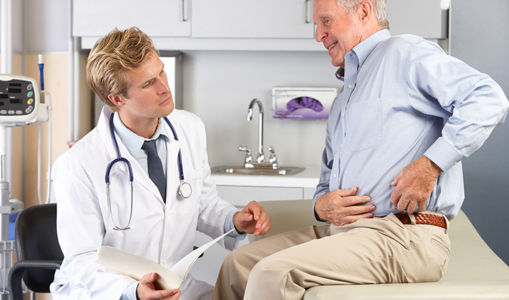 male-patient-with-hip-pain