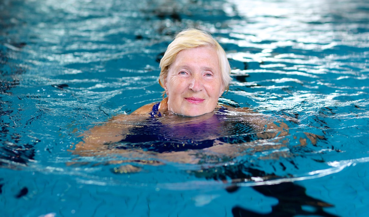 mature-woman-in-pool