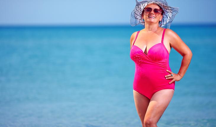 mature-woman-swimsuit