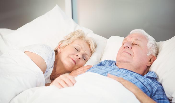 maure-couple-sleeping