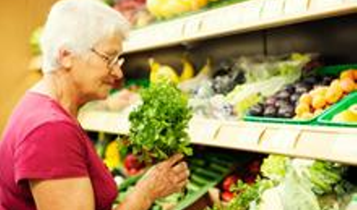 pic-woman-veg-aisle.jpg