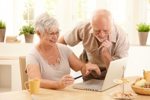 seniors with laptop